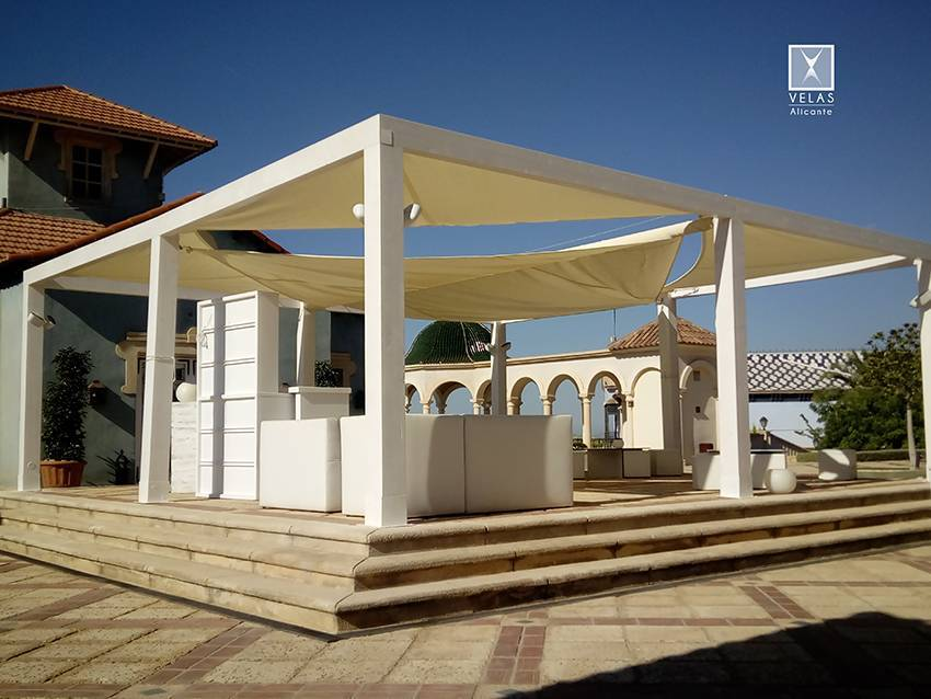 Creation of a Chill Out space with minimalist modern awnings